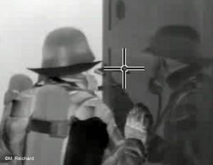 Die Orientierzng im Raum wird durch Wärmespiegelungen z.B. an lackierten Holztüren erschwert.In Raum orientieren (Holztüre lackiert) (1). Bild: M. Reichardt/WBK-Einsatz.de