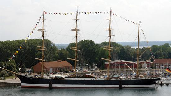 Viermast-Stahlbark Passat, ein Museumsschiff in Travemünde. Bild: Jürgen Howaldt (CC BY-SA 3.0)