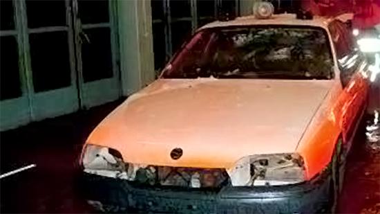 Verunfalltes Feuerwehrfahrzeug. Bild: feuerwehr-weblog.de/sc