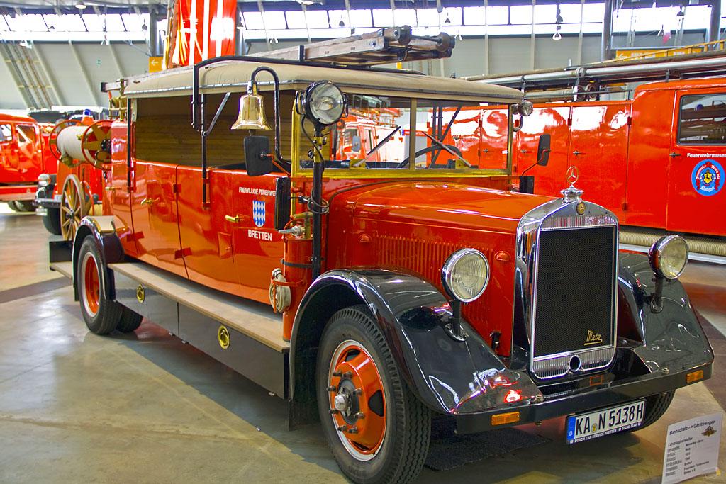 Historischer Mannschafts- und Gerätewagen der FF Bretten